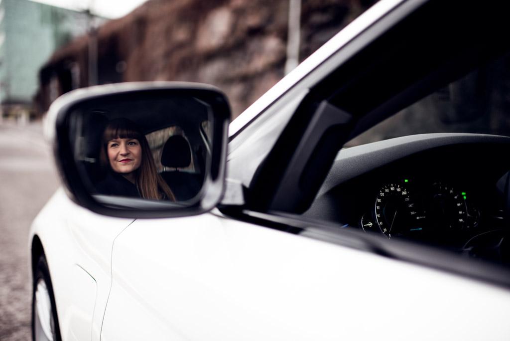 Uusi BMW hybrid Yksityisleasing-sopimuksella.